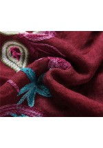 Foulard  à fleurs brodées pourpre