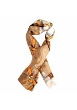 Foulard en soie motif étriers chevaux